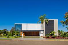 Jaboticaba House / Raffo Arquitetura