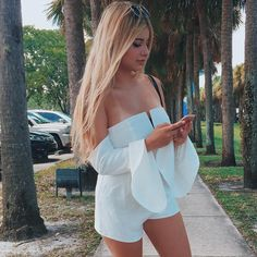New post on familysephora Sexy Outfits, Girlfriends, Off Shoulder Blouse, Ideias Fashion, Hot Girls, Womens Fashion, Model, Pink, How To Wear