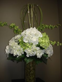Wedding Centerpiece designed by Sonya Biemann at Lemongrass in Timmins,ON Canada