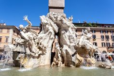 La Fuente de los Cuatro Ríos de la Piazza Navona es obra de Gian Lorenzo Bernini, data de 1651, de la época del papado de Inocencio X. http://www.viajararoma.com/lugares-para-visitar-en-roma/piazza-navona/ #turismo #Roma