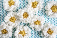 Crochet pretty daisies. Easy to follow pattern, I've been making hundreds, my mom loves them