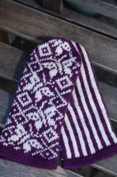 Ravelry: Amagerstrik's Butterfly mittens