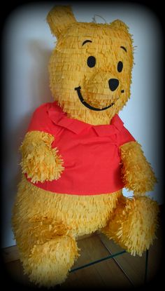 Pinata Winnie l`ourson.  Suivez - nous sur notre page fb: Piñatas - pinatas en Francia  /  Piñata Winnie Pooh.  Síguenos en nuestra página fb: Piñatas - pinatas en Francia