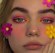 Edgy Makeup, Eye Makeup Art, Makeup Goals, Skin Makeup, Makeup Inspo, Makeup Inspiration, Beauty Makeup, Weird Makeup, Bright Makeup