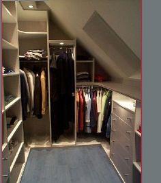 Combles on pinterest attic closet atelier and attic spaces - Dressing sous combles ...