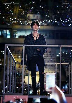 A king looking over his realm Chanyeol, Kyungsoo, K Pop, Chen, Shinee, Kai, Kim Joon Myeon, Kim Jong Dae, Kim Minseok