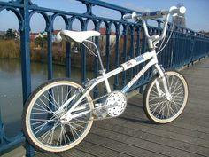 Women's Cycling Jersey, Cycling Art, Cycling Quotes, Cycling Jerseys, Velo Biking, Vintage Bmx Bikes, Retro Bikes, Gt Bmx, Bmx Freestyle