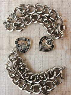 Pulsera CUORE • MuyVos Accesorios • Bangles, Bracelets, Jewelry Design, Frappe, Wallet, Chain, Bag, Fashion, Cute Necklace