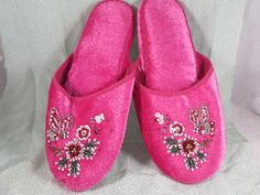beaded velvet Chinese slippers