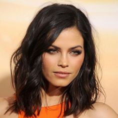 The Easy Makeup Trick That Got Jenna Dewan-Tatums Cheekbones to Pop Hair Makeup Cheekbones DewanTatums Easy Jenna MAKEUP pop Trick Medium Short Haircuts, Medium Hair Cuts, Medium Hair Styles, Short Hair Styles, My Hairstyle, Cool Hairstyles, Gorgeous Hairstyles, Fashion Hairstyles, Layered Hairstyles