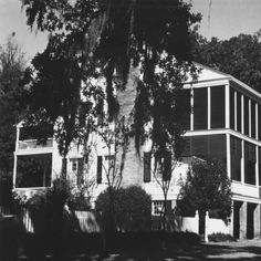 Oakley plantation home near Saint Francisville Louisiana in 1974 :: State Library of Louisiana Historic Photograph Collection