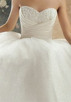 One of the most beautiful dresses ever. Idk why I love it so much. I just do. Maybe because its Cinderella..