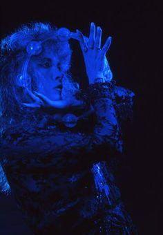 Stevie Nicks~bella donna~my soul. Stevie Nicks Bella Donna, Buckingham Nicks, Stephanie Lynn, Old Hollywood Movies, Stevie Nicks Fleetwood Mac, White Witch, Look Vintage, Vintage Rock, Under The Influence