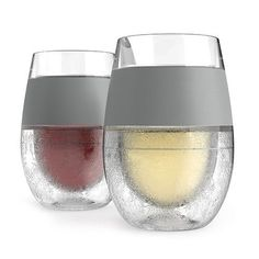 The Wine Freeze is perfect for all wines. Just pop it in the fridge to cool your reds to the perfect cellar temperature or store in the freezer to chill your whites. Cooling gel is precisely engineere