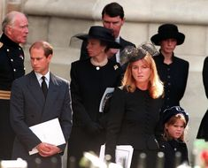 Prince Edward, Princess Anne, the Duchess of York and her daughter Eugenie leaving Westminster Abbey after the funeral service for Diana, Princess of Wales, September (Photo by Jayne Fincher/Getty Images) Funeral Da Princesa Diana, Princess Diana Funeral, Princess Diana Family, Princes Diana, Prince And Princess, Princess Of Wales, Prince Harry, The Duchess, Sarah Duchess Of York