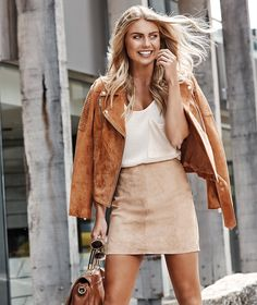 New Trending Street Style: Photo. Elyse Knowles, Photoshoot Themes, Going Out Outfits, Dress Codes, Dress Me Up, Latest Fashion Trends, Winter Outfits, Celebrity Style, Autumn Fashion