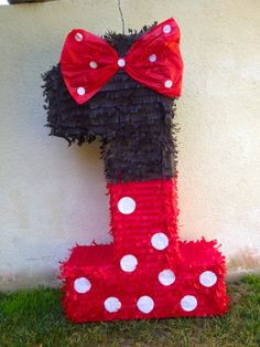 Minnie Mouse piñata number piñata Minnie by uniqueboutiquebygami, $21.00
