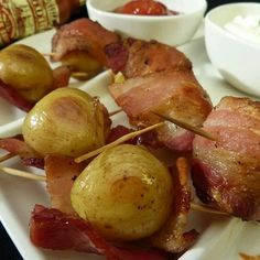 Now here's a recipe with potatoes wrap in bacon. Oh yes this is two of my favorite foods are getting together.