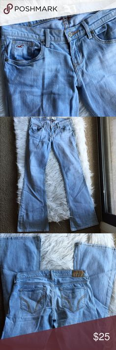 ɧꂦɭꀤʂʈꍟɽ light wash denim Cute! Super stretch. Short length. Cotton and elastane blend. Great condition! 👺NO TRADES DONT ASK! ✌🏼️Transactions through posh only!  😻 friendly home 💃🏼 if you ask a question about an item, please be ready to purchase (serious buyers only) ❤️Color may vary in person! 💗⭐️Bundles of 5+ LISTINGS are 5️⃣0️⃣% off! ⭐️buyer pays extra shipping if likely to be over 5 lbs 🙋thanks for looking! Hollister Jeans