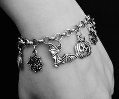 Gothic halloween bracelet ☠ www.etsy.com/shop/OfStarsAndWine