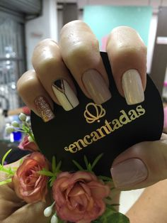 Hermosa manicura Perfect Nails, Gorgeous Nails, Love Nails, Pretty Nails, Precious Nails, Chic Nails, Geometric Nail, Short Nail Designs, Nail Decorations
