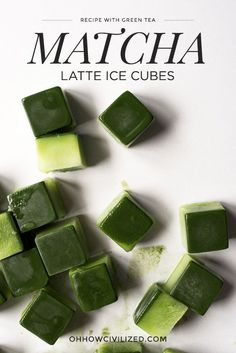 These matcha latte ice cubes are perfect for the summer! Make a batch and just pop them out of the freezer whenever you want a quick matcha latte. All you need to do is top these ice cubes with milk for a super refreshing and cooling drink! Matcha Tee, Matcha Drink, Milk Shakes, Iced Green Tea Latte, Iced Tea, Green Tea Recipes, Green Tea Powder, Drinking Tea, Cookies