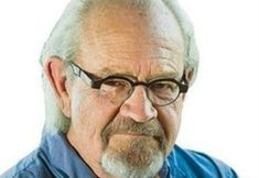 Max du Preez – Political is a veteran journalist and television personality with a strong reputation for his independent thinking,  understanding of the political and social dynamics of South Africa and abilities  to communicate complex issues simply and clearly. He was born in the Free State in 1951 and educated at Stellenbosch University.  His career in journalism includes serving as the political correspondent of the Financial Mail, Sunday Times and Business Day.