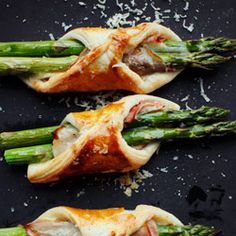 Asparagus in puff pastry (recipe in polish, but the pictures are pretty self explanatory)