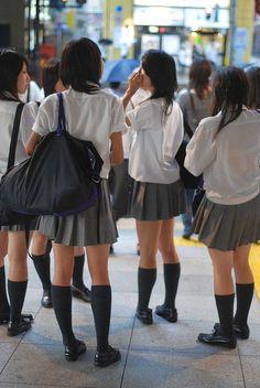 School Girls - Tokyo by Gedawei 葛大为