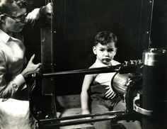 This is the featured Lancaster General Hospital photo from the past. Anyone remember when X-ray machines looked like this? Vintage Nurse, Vintage Medical, Hospital Photos, Best Hospitals, Medical Imaging, General Hospital, Plastic Surgery, Lancaster, Dentistry