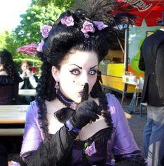 dark gothic fashion