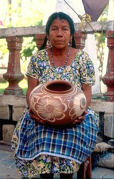 Nahua Potter and Midwife from Chililico, Hidalgo, Mexico