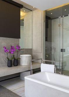 Minimalist white interior of mosi house 1200 for Martin craig bathroom design studio