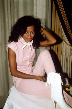 Take a look back at some of Diana Ross' sassiest looks, from the stage to the red carpet. Vintage Black Glamour, Vintage Beauty, Diana Ross Style, Shakira, Diana Ross Supremes, Black Image, Lady Diana, Mode Vintage, Black Is Beautiful