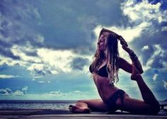 Aruba Yoga Vacation #dreamretreat Could this be your dream retreat? Enter our comp https://www.facebook.com/letsGloEvents?sk=app_512541485429310