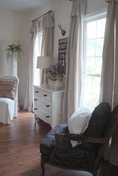 Cottage sytle home tour in Atlanta - Debbiedoo's
