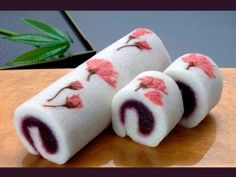 Japanese-style Swiss Roll with pressed flowers