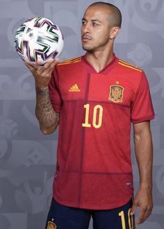 Spain Soccer, Football, Adidas, Euro, Sports, Roses, Soccer, Hs Sports, Futbol