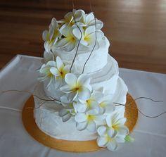 Frangipani cake deco