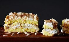 """Best Cake' With Banana & Coconut """"World's Best Cake"""" with Banana & Coconut recipe: You better give it a taste.""""World's Best Cake"""" with Banana & Coconut recipe: You better give it a taste. Just Desserts, Delicious Desserts, Yummy Food, Sweet Recipes, Cake Recipes, Dessert Recipes, Simple Recipes, Food Cakes, Cupcake Cakes"""