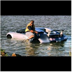 'Gone fishing' with a Bugatti Veyron. Supercar nightmare!