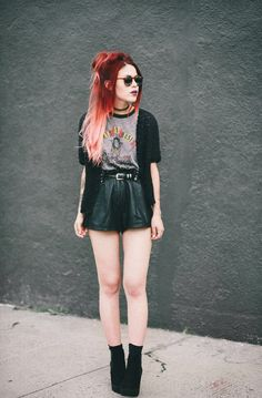 Luanna Perez hot as always Band Shirt Outfits, Rock Outfits, Grunge Outfits, Fashion Outfits, Womens Fashion, Style Fashion, Dark Fashion, Grunge Fashion, Moda Grunge