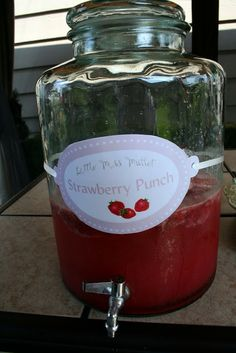 Mennonite Girls Can Cook: Strawberry Punch
