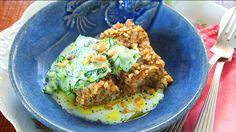 Quibe de Peixe com Salada de Pepino