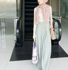 Clothing Styles For Women - Fashion Trends Islamic Fashion, Muslim Fashion, Modest Fashion, Girl Fashion, Modest Wear, Modest Dresses, Modest Outfits, Instagram Mode, Instagram Fashion
