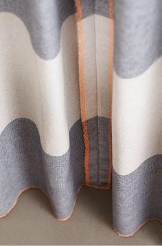 Vrolijk oranje op stof Recycle-Stripe 51 | #Gordijnen #HappyLock #Recycle #Stripe #grey #White