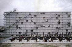 Kazuyo Sejima - Gifu Kitagata apartment building, Gifu 2000.