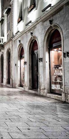 Love the shopping ... and kavu Split - Croatia