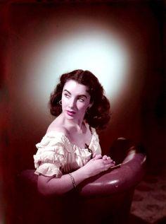 Elizabeth Taylor  http://www.listal.com