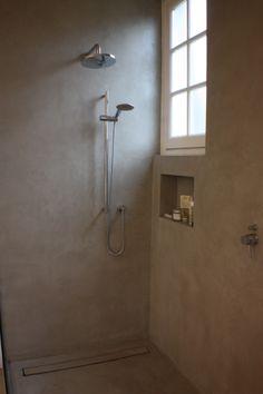 Béton Ciré - zeer sterke watervaste 'cementstuc', bijzonder geschikt voor badkamers, keukens, vloeren, meubels en objecten als openhaarden, ook buiten voor bv. het terras.